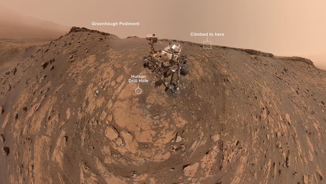 El róver Curiosity de la NASA se toma una 'selfie' antes de coronar la cima de una colina en Marte (VIDEO)