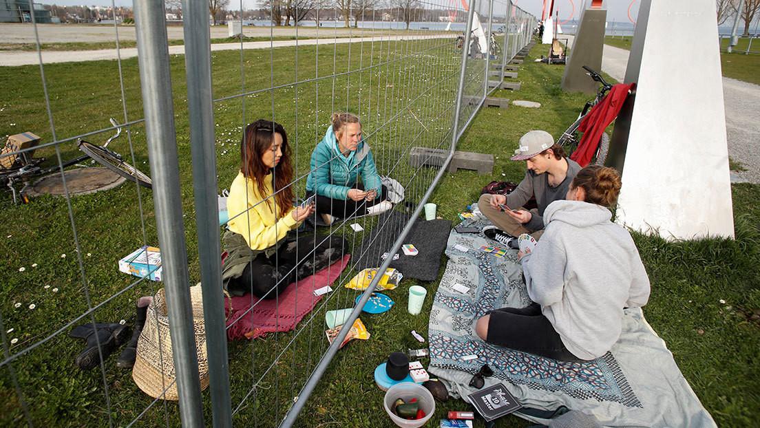 Alemania prohibe reuniones de más de dos personas para detener la propagación de coronavirus