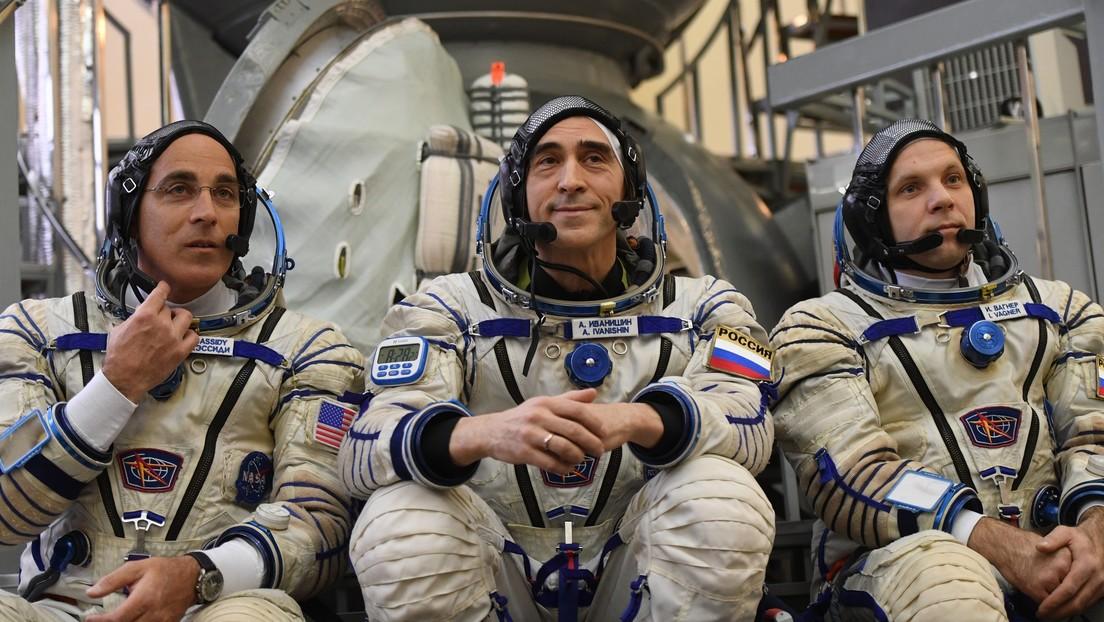 En medio de la pandemia, seguimos mirando a las estrellas: así partieron tres astronautas a la EEI