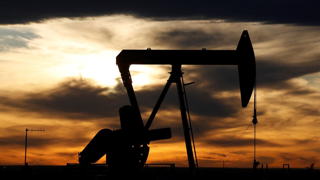 Se recupera precio de petróleo mexicano; 16.06 dólares por barril