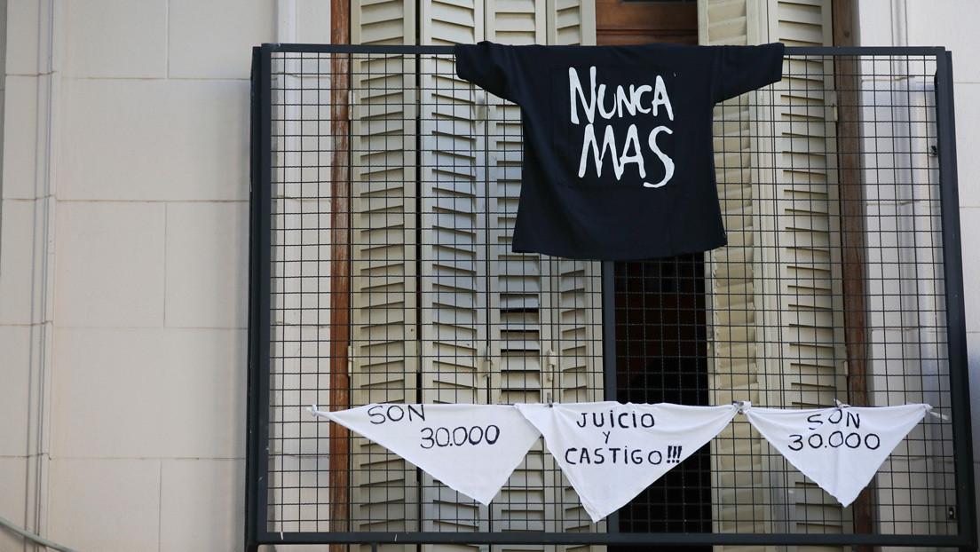 Pañuelazo virtual en lugar de marcha: Argentina conmemora el Día de la Memoria en medio de la pandemia