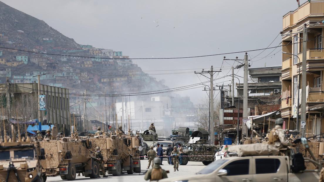 Varios muertos tras el ataque de hombres armados y terroristas suicidas a un templo de una minoría religiosa en Afganistán