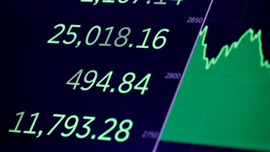 El Dow Jones se dispara en 600 puntos tras acordarse un paquete de estímulo de 2 billones de dólares para aliviar el impacto del coronavirus en EE.UU.