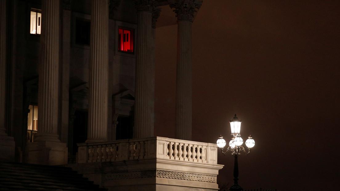 El Senado de EE.UU. aprueba el paquete de estímulo de 2 billones de dólares por el coronavirus