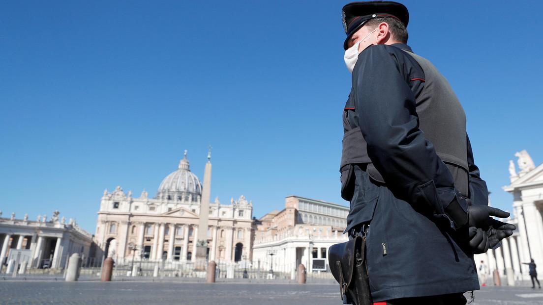 Reportan que un sacerdote que vive en la residencia del papa Francisco dio positivo a covid-19