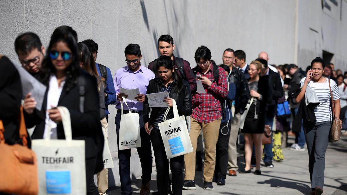 Las solicitudes semanales de desempleo en EE.UU. alcanzan las 3 millones, cuadruplicando el récord de 1982