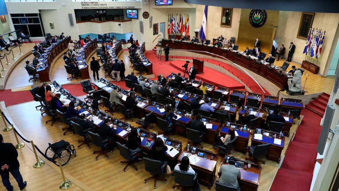 Congreso de El Salvador autoriza la emisión de deuda por 2.000 millones de dólares ante la emergencia del coronavirus