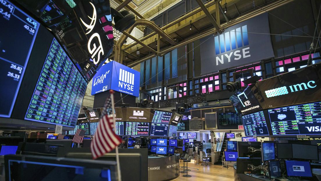 Wall Street se desploma después de que EE.UU. se convirtiera en el país con mayor número de infectados con coronavirus