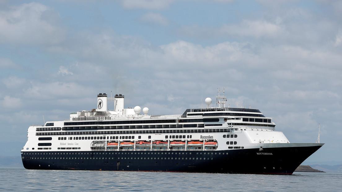 Mueren 4 personas  en un crucero que no pudo atracar en Panamá porque varios pasajeros tenían síntomas de coronavirus