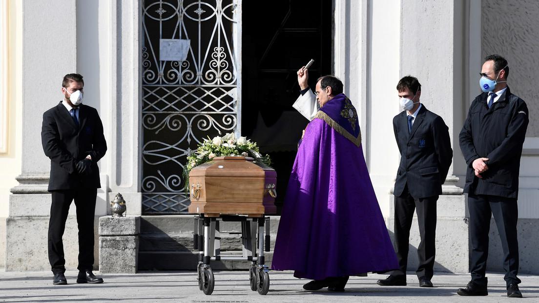Italia registra 889 muertes y 5.974 nuevos contagios en 24 horas, elevando el número de fallecidos por coronavirus a 10.023