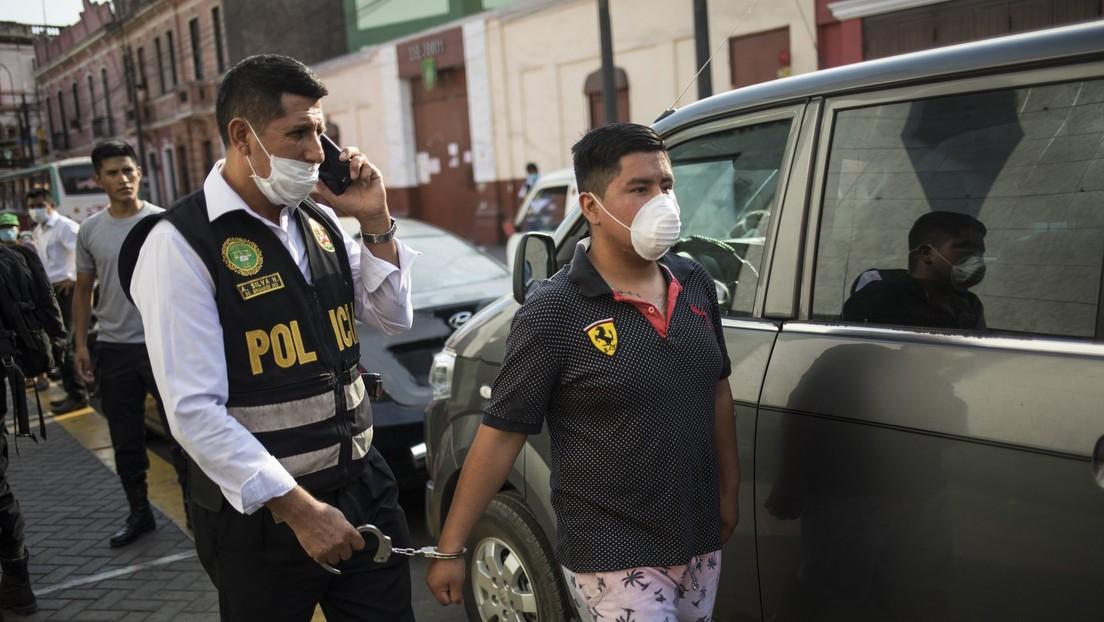 """""""Piénsenlo dos veces"""": el presidente de Perú anuncia multas y cárcel para quienes incumplan la cuarentena por el covid-19"""