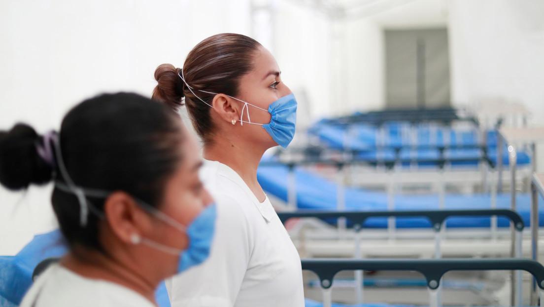 Rocían con agua con cloro y obligan a bajar del autobús a varias enfermeras en México por temor al coronavirus