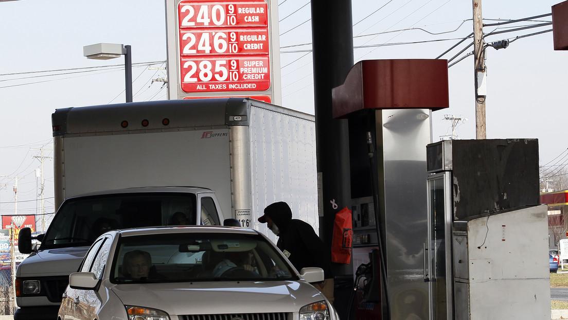 El precio del crudo Brent cae por debajo de los 22 dólares por barril por primera vez desde marzo de 2002