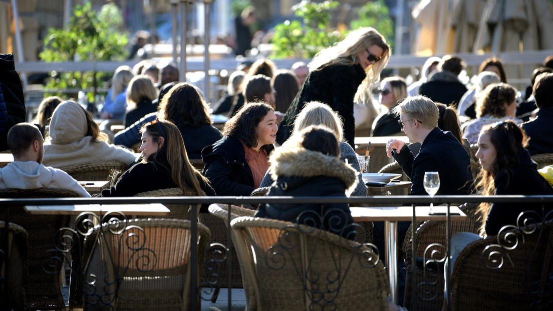 Fronteras, escuelas y bares abiertos: el enfoque de Suecia en la lucha contra el coronavirus