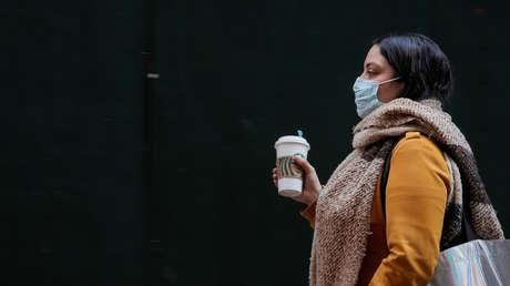 """""""Las mascarillas no son una garantía"""": experto de la OMS derriba los mitos sobre el coronavirus"""