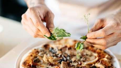 Pizzas Corona: una televisión de Francia indigna a Italia con una parodia sobre el covid-19