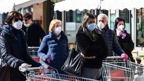Una anciana italiana, atrapada en su casa durante dos días con el cadáver de su esposo muerto de coronavirus