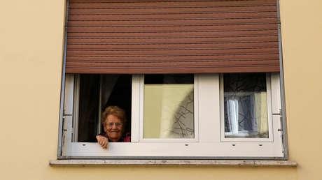 VIDEOS: Los italianos confinados en sus casas cantan juntos en medio de la cuarentena