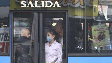Ecuador limita la circulación de personas por el país para contener la propagación del coronavirus