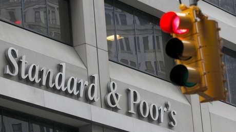 S&P prevé que el coronavirus causará una recesión global