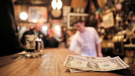 Deja una 'propina' de casi 10.000 dólares para ayudar a un restaurante en plena epidemia del coronavirus