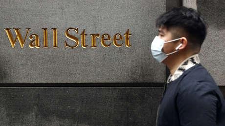 Los mercados de EE.UU. abren al alza al final de una semana de volatilidad histórica