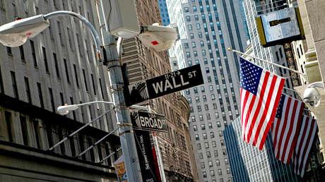 """""""Estamos en guerra"""": economista de Harvard predice una fuerte recesión en EE.UU. por el coronavirus"""