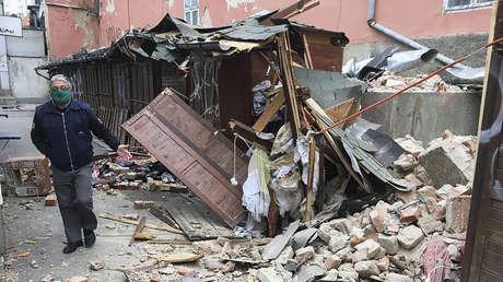 Primeras imágenes: Edificios derrumbados y autos aplastados tras un fuerte sismo de magnitud 5,4 en Croacia