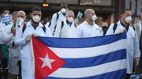 VIDEO: Aplauden a los médicos cubanos que viajaron a Italia para luchar contra el coronavirus