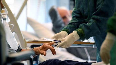 """Un anestesiólogo italiano de 85 años: """"Estoy listo para volver al quirófano y ayudar a combatir el covid-19"""""""