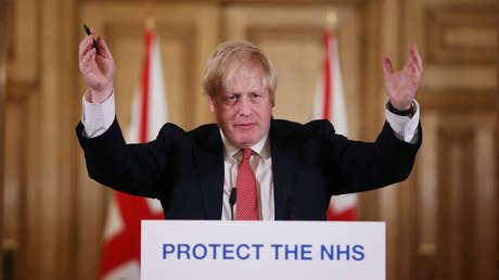 Boris Johnson ordena el cese de todos los eventos sociales en el Reino Unido, así como reuniones de más de dos personas