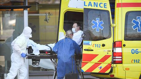 """Médicos de Bélgica y Países Bajos consideran que hospitalizar a personas débiles y ancianos infectados por coronavirus es """"inhumano"""""""