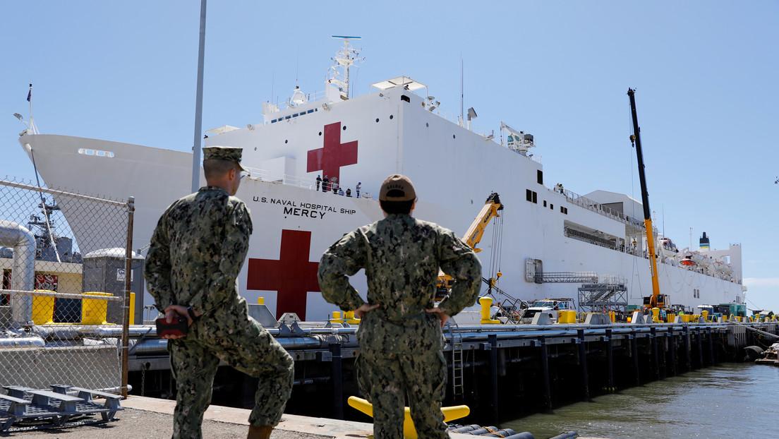 Maquinista intenta chocar un tren contra un buque hospital con pacientes de covid-19 sospechando que esconde una conspiración del Gobierno de EE.UU.
