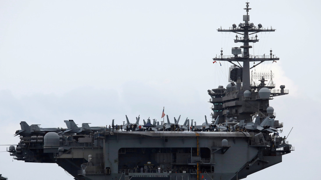 La Marina de EE.UU. releva de su cargo al capitán del portaviones nuclear que criticó la respuesta al brote de coronavirus a bordo