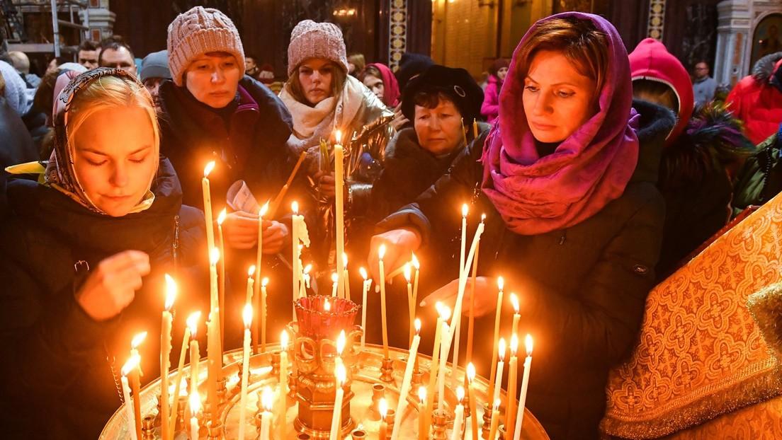 La Iglesia ortodoxa rusa permite a sus feligreses confesarse por teléfono o Skype