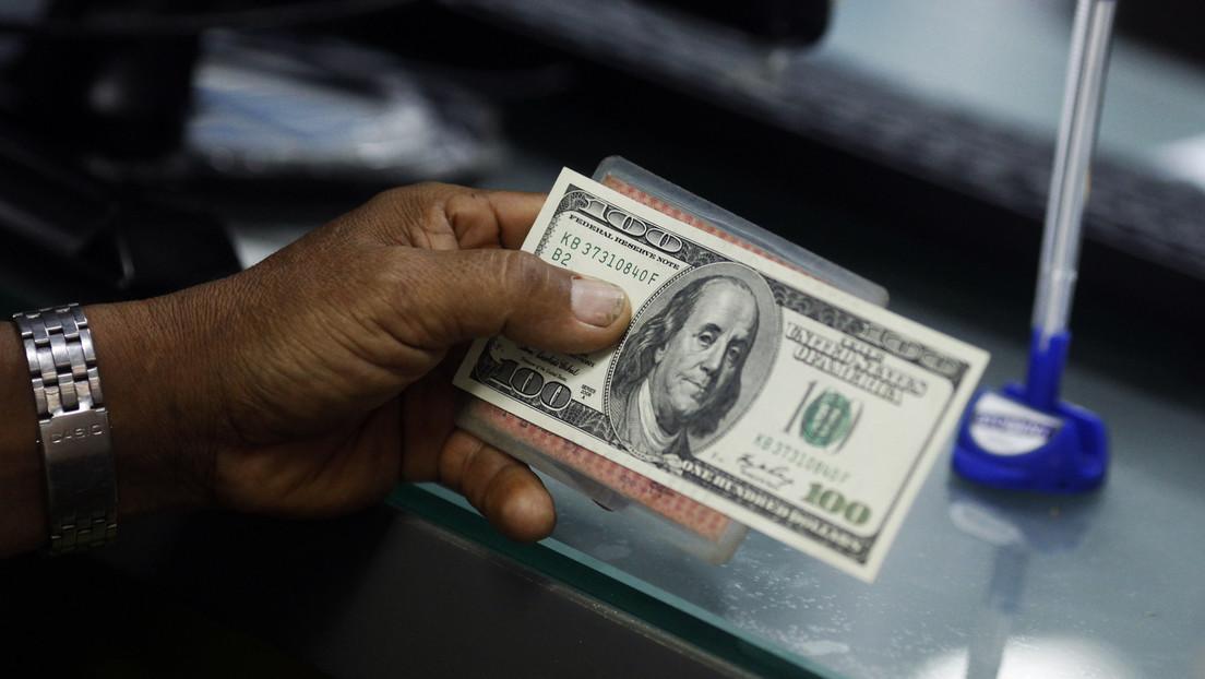 Detienen en Camboya a un turista estadounidense por poner saliva en un billete y dejarlo sobre un cajero automáitico
