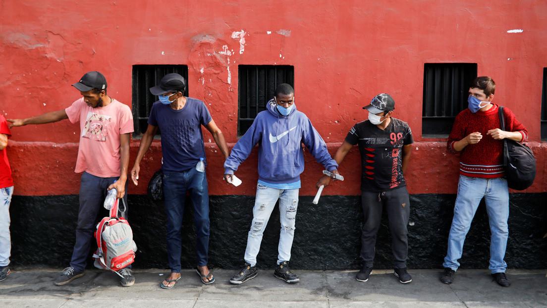 ¿Por qué es polémica la medida que segrega las salidas de hombres y mujeres durante la cuarentena en América Latina?