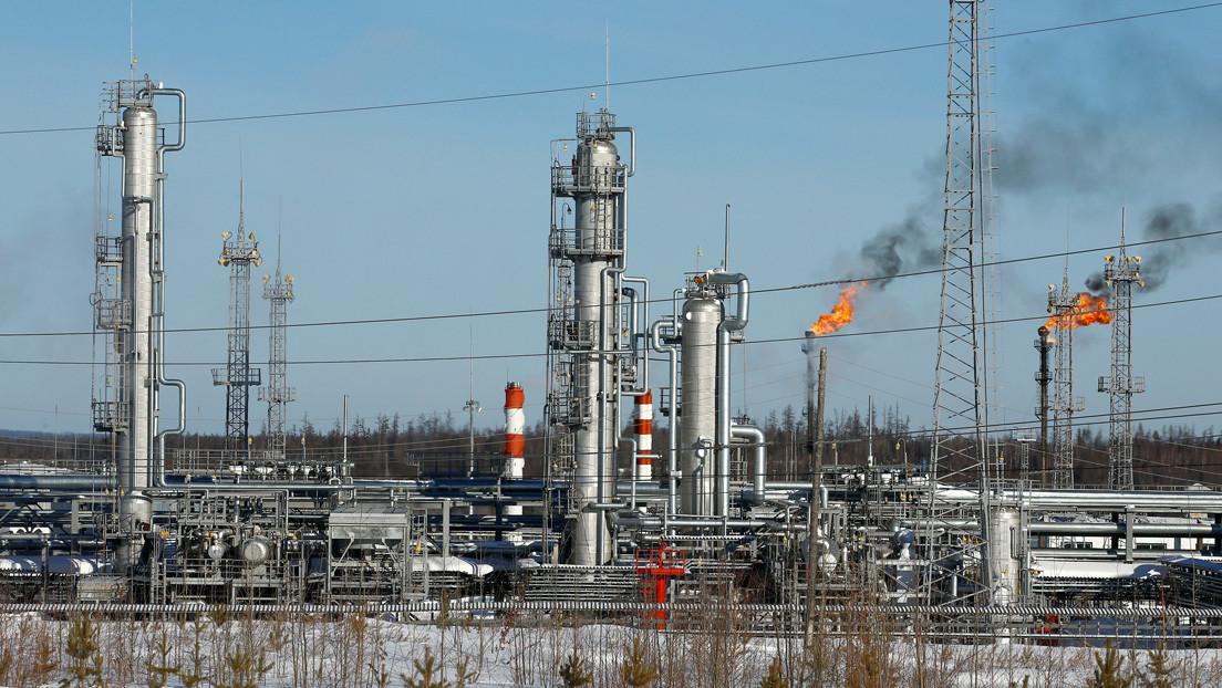 Putin: La producción petrolera debe reducirse en 10 millones de barriles diarios y Rusia está lista para colaborar con EE.UU.