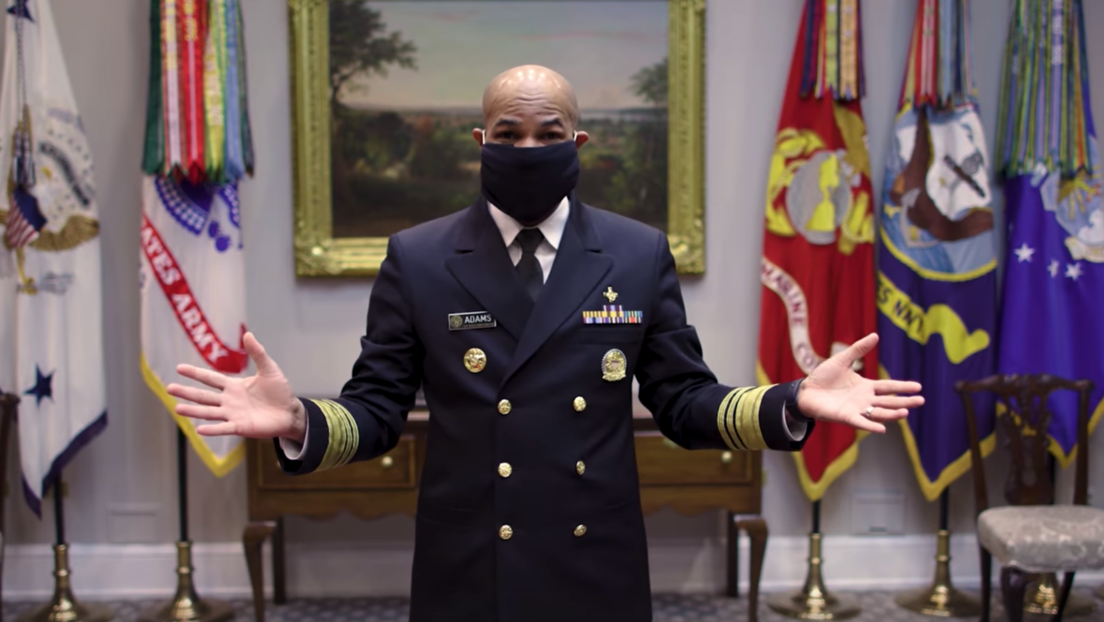 Cómo fabricarse una mascarilla en casa en 45 segundos: el cirujano general de EE.UU. lo explica paso a paso (VIDEO)
