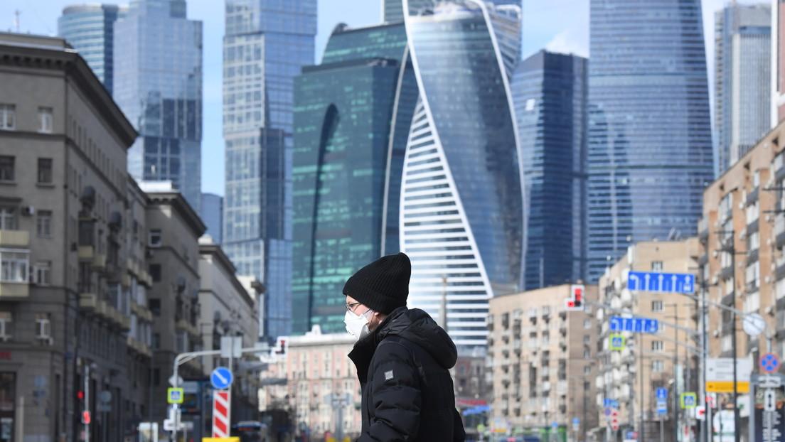 """Rusia asegura haber evitado hasta ahora """"el crecimiento explosivo"""" de la propagación del coronavirus"""