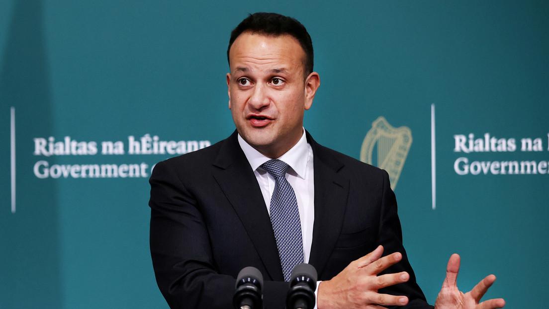 El primer ministro de Irlanda vuelve a trabajar como médico durante la pandemia