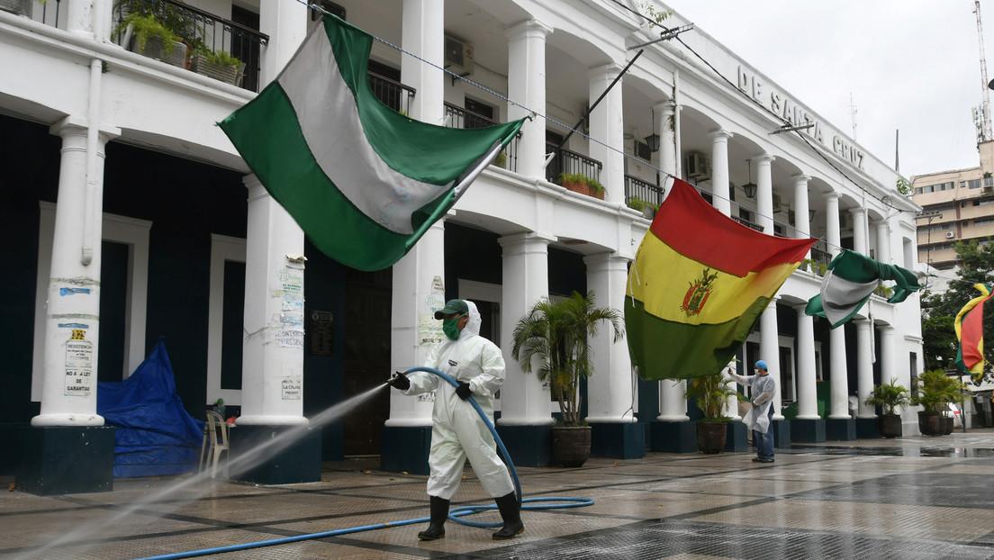 Aíslan a un municipio de Bolivia tras el entierro de una víctima de covid-19 sin medidas de bioseguridad