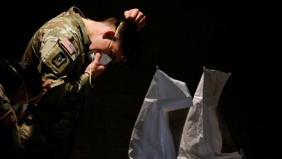 """El Pentágono recomienda usar objetos caseros como """"camisetas limpias"""" para cubrirse el rostro ante la escasez de mascarillas"""