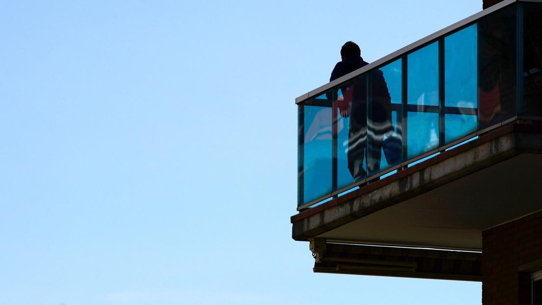 """""""¡Muérete! ¡Insolidario!"""": Cuando los 'policías del balcón' insultan a enfermos, autistas o médicos por salir a la calle"""