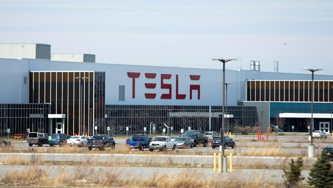 VIDEO: Tesla construye respiradores con piezas de sus automóviles para tratar a pacientes con covid-19
