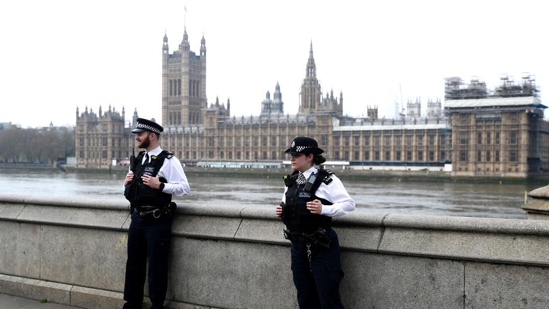 El Reino Unido registra más de 7.000 muertes por covid-19 tras el mayor aumento de fallecidos en un día desde el inicio del brote