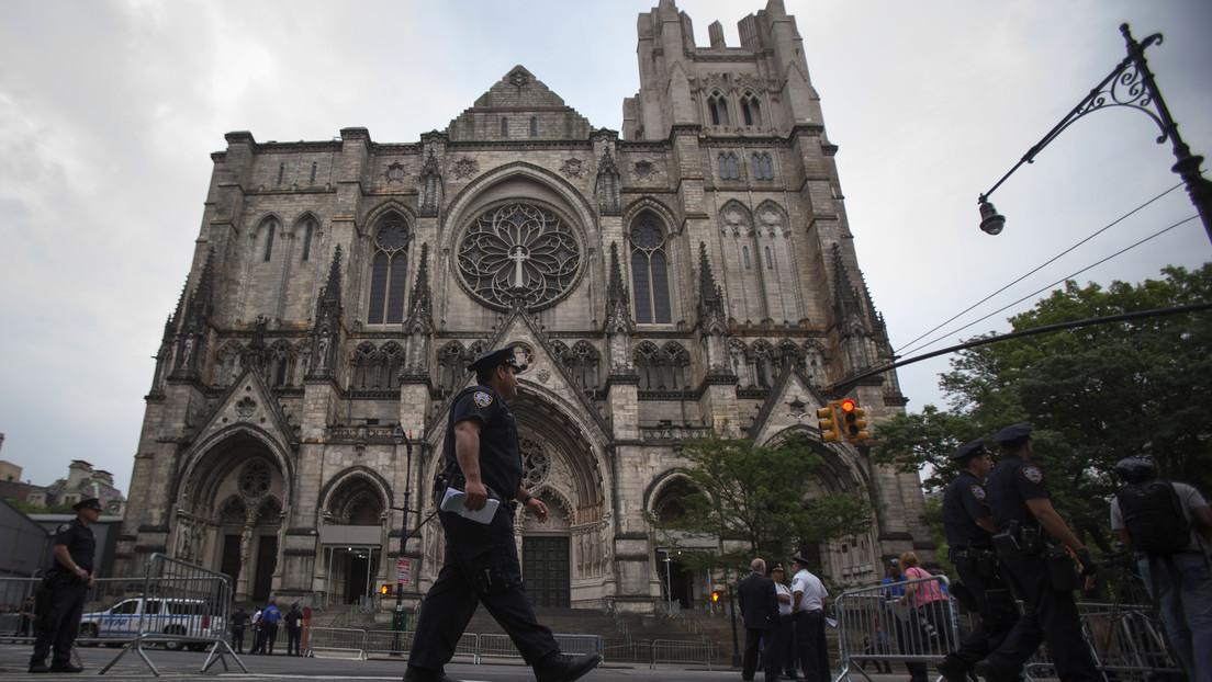 En Nueva York acondicionan la catedral neogótica más grande del mundo como hospital de campaña durante la pandemia