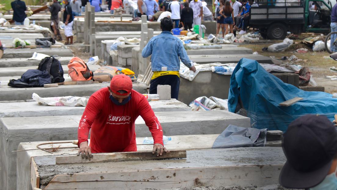Ataúdes impagables o de cartón, supuestos cobros en morgues y lento diagnóstico: la situación del coronavirus en Ecuador