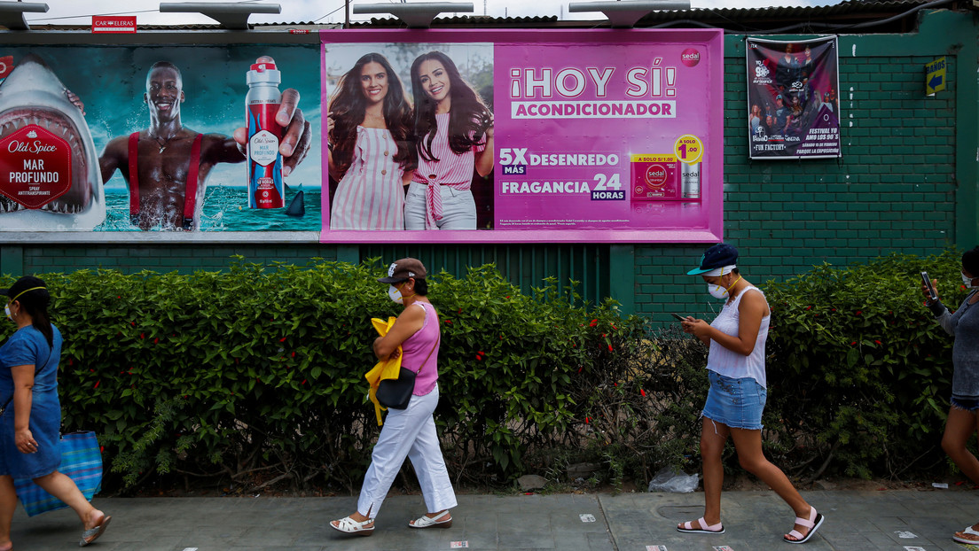 Maltrato policial y humillaciones a la comunidad trans de Perú y Panamá durante la polémica cuarentena por sexo biológico