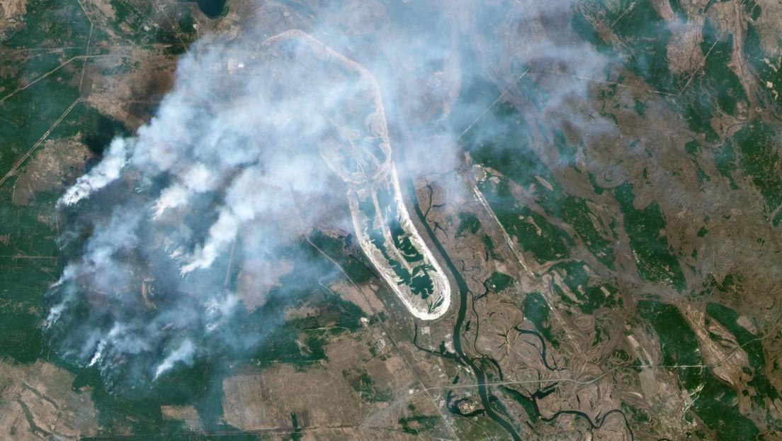 Una imagen satelital muestra la propagación de los incendios forestales en Chernóbil